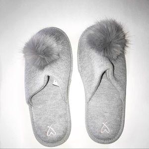 Victoria's Secret Gray Pom Pom Slippers- Large EUC